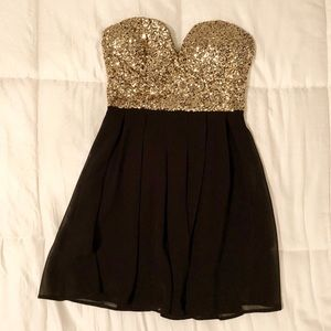 Black & Gold Sparkly Homecoming Dress